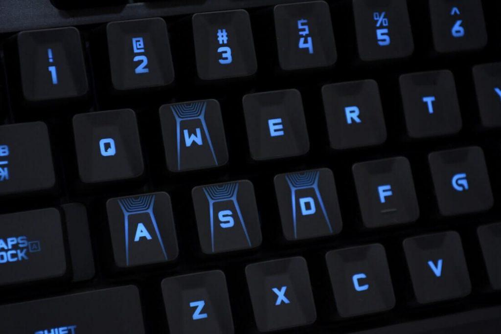 Подключите беспроводную мышь / клавиатуру и управляйте компьютером издалека