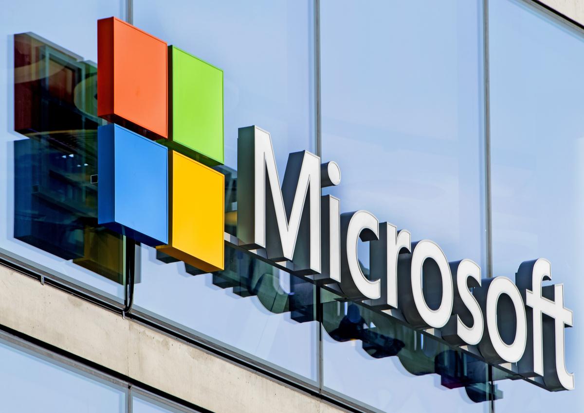 Майкрософт создал операционную систему Windows 10 для роботов